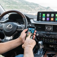 Lexus RX Apple CarPlay™ und Android Auto™